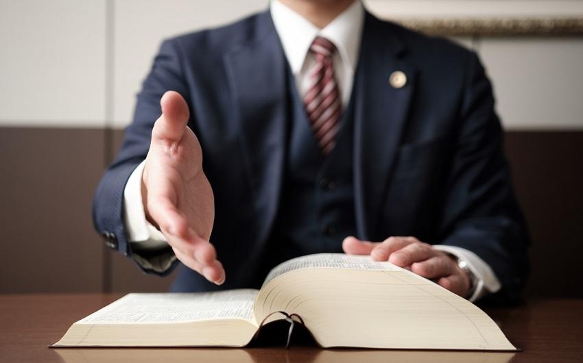 遺産相続について弁護士に相談すべき?タイミングや相談すべきケースとは?のアイキャッチ