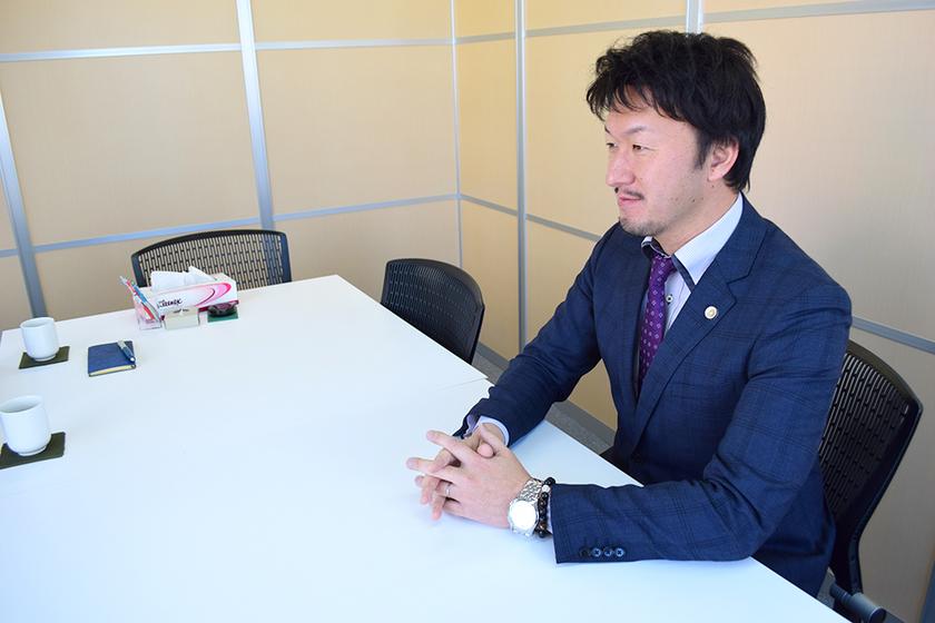 未来の弁護士の為に教員として熱血指導する浅草橋の先生に会いに行ってみたのアイキャッチ