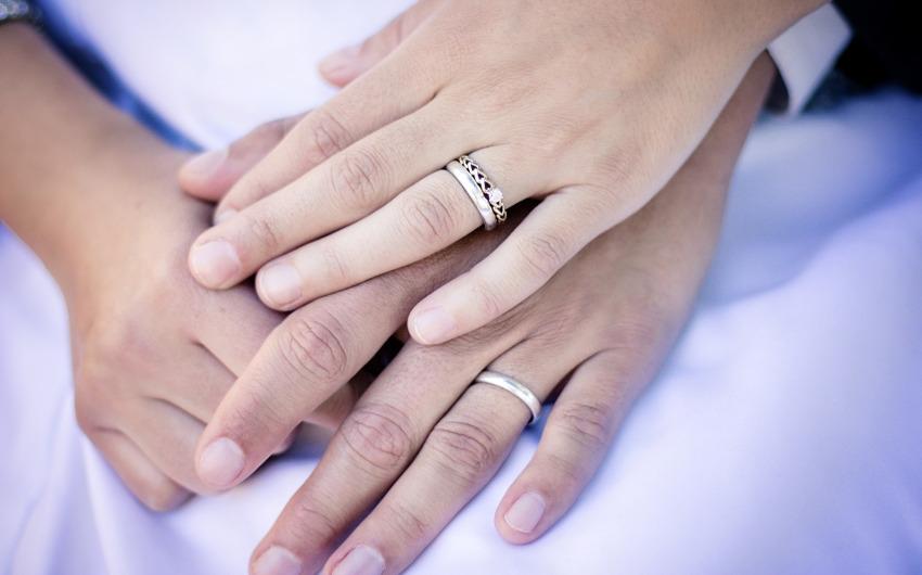「セックスレス」は立派な離婚事由!慰謝料だって請求出来ますの画像