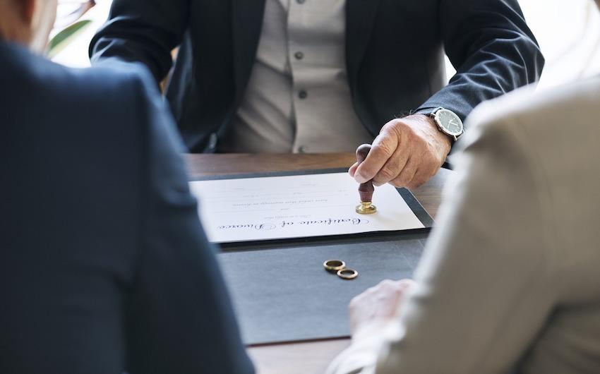 離婚問題で弁護士に依頼したらどの位の費用がかかる?の画像