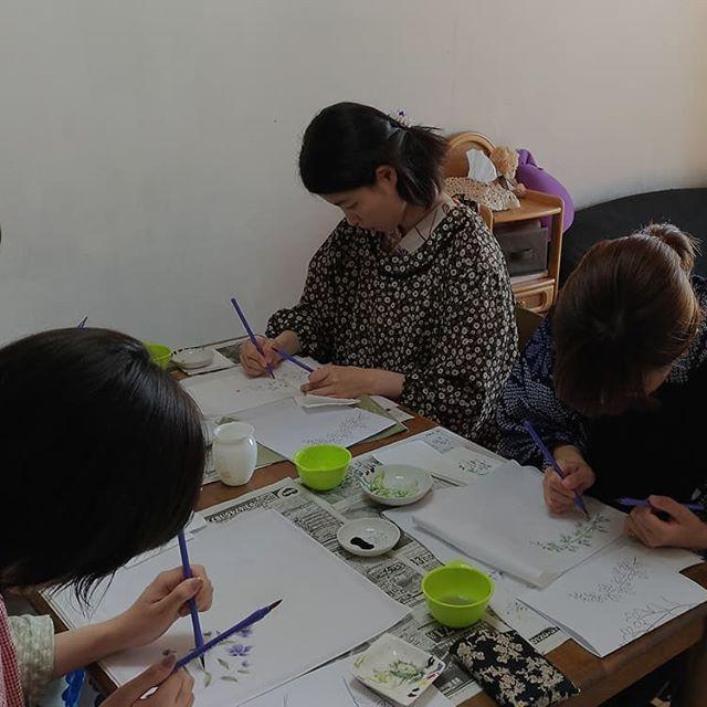 手描き友禅笠原以津子(荒川区モノづくり見学・体験スポット)