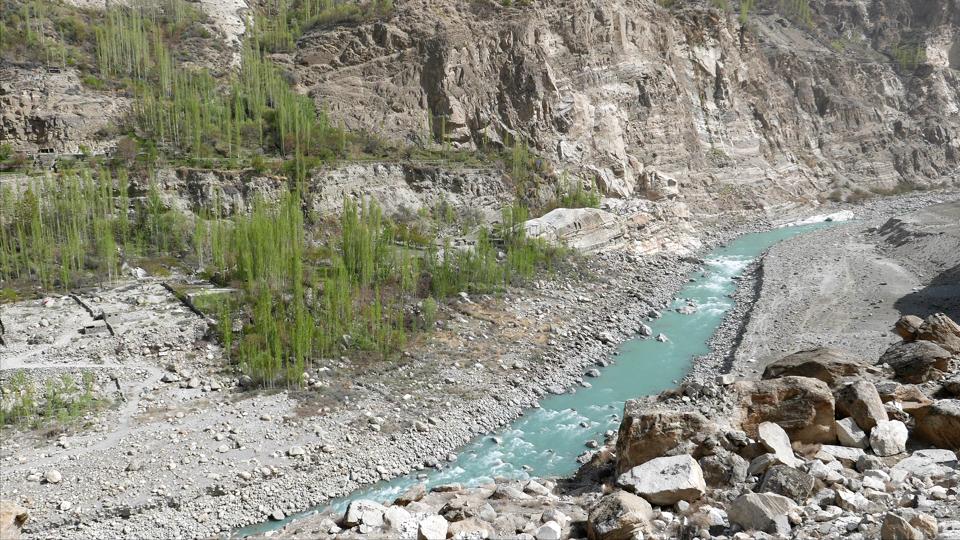 KawaiMayumi_201804_Pakistan_Hunza_016_HunzaRiver-Thumbnails.jpg