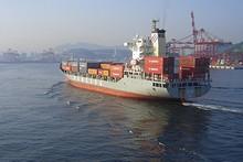 コンテナ船(スターキャリアー号)
