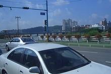 市中心を南江(ナムガン)が流れる