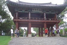 公園内の門