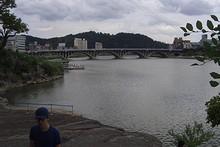 川岸から見た晋州橋