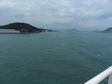 関門海峡を一路西へ