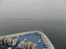 青島対岸の薛家岛が見えてくる