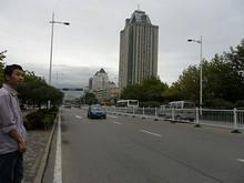 所変わって黄島市街のバス停。ここでさらにバスを乗り換えて船着場へ。帰りは湾内フェリーを利用します