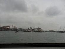 フェリーからみた黄島港