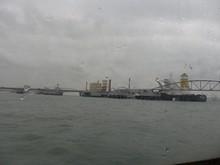 沖合いの埠頭