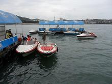 桟橋の先にあるモーターボート乗り場