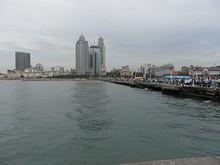 桟橋と市街地