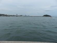 右に見える島は小青島