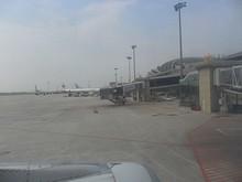 機内から見たターミナルビル