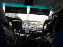 西安門付近。渋滞しています・・・