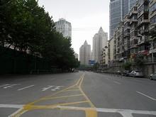 上海路 南を望む