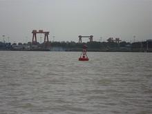 ブイと造船所