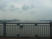 橋の上から見た長江