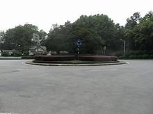 霊谷寺前のロータリー