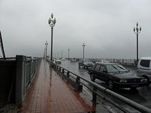 この橋は一般道路の橋。南の第3橋と東の第2橋は高速道路の橋