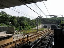 地下鉄安徳門駅と地下へ通じるトンネル