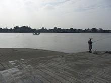 対岸の江心洲が見える