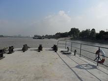 対岸の桟橋