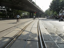南京西駅前の線路