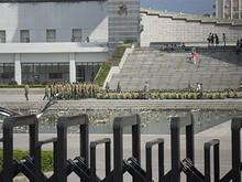 南門から見た軍事訓練