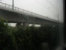 併走する高速鉄道