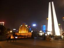 黄浦公園の最北にある人民英雄記念塔