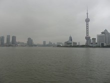 黄浦江と上海タワー
