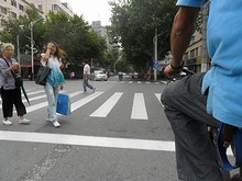交差点で止まっています