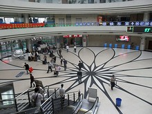 上海駅北側にある総合バスターミナル
