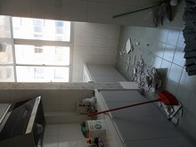 台所の壁崩壊
