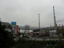 2本の煙突と冷却塔 長江沿いは工業地帯になっていた