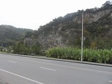 長江沿いに幕府山という山がある 長江側は絶壁