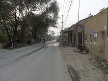 基地北側の村