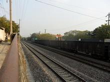 まだ止まっている貨物列車
