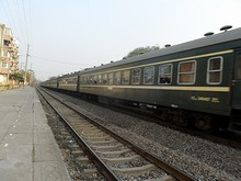 旅客列車が通過