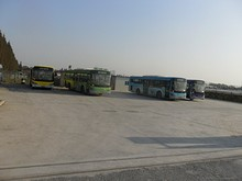 大橋そばにあるバス営業所
