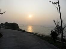 長江第三大橋と夕日
