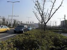 遠くに見えるのは新しくできた南京南駅