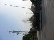 踏切と送電線