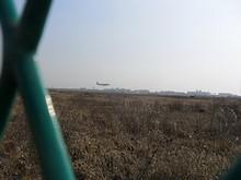 東方航空機が着陸