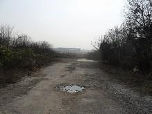 田舎道から見た空港