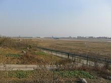 離陸する深圳航空B737形機