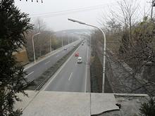 衛崗トンネルの上から見た高速道路