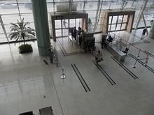 楊州駅入口の荷物検査